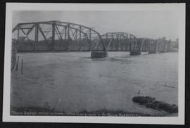 19th Street traffic bridge during flood in Saskatoon
