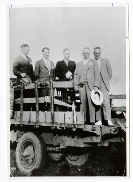 Speakers at a Saskatchewan Wheat Pool picnic
