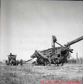 [Threshing Machine set up during Pion-Era in Saskatoon]