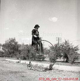 [Penny-farthing bicycle]