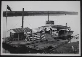 Battleford ferry-boat at bank of river