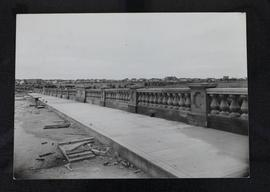 25th Street bridge showing pedestals, handrail and spindles, north fence.